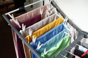 lava-roupas enzimático atua nos tecidos