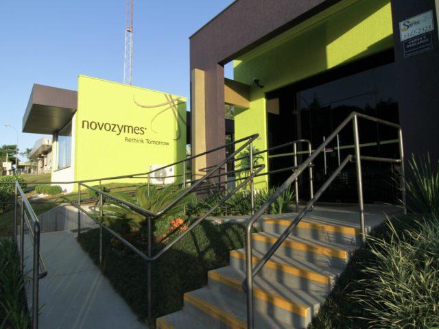 Novozymes comemora 30 anos no Brasil da inauguração da sua unidade industrial no Brasil