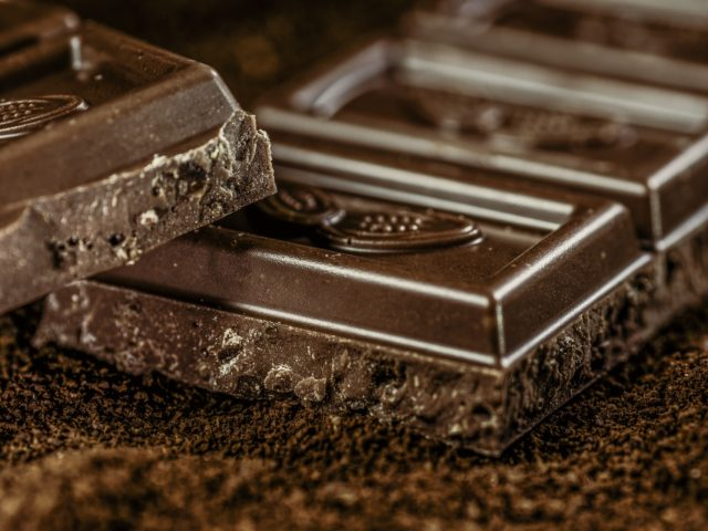 Alimentos industrializados podem ser saudáveis? O chocolate nos prova que sim