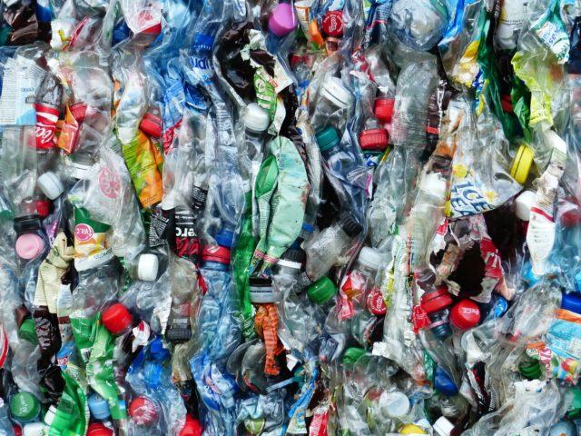 Holanda abre o primeiro parque feito com plásticos retirados do mar