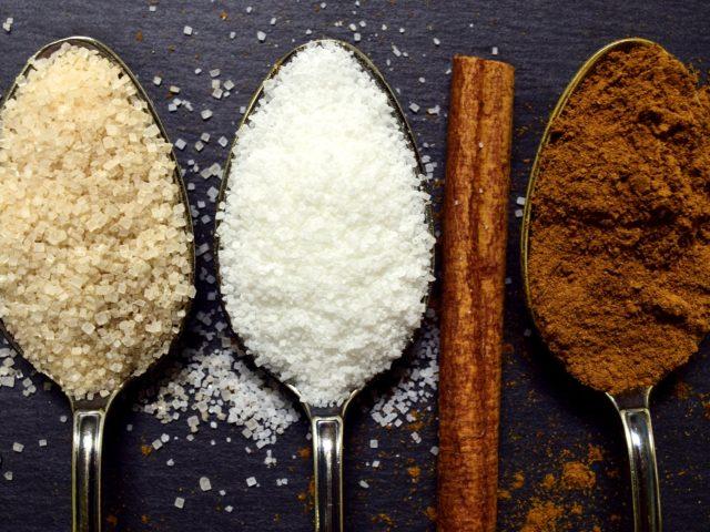 Conhecer os principais tipos de açúcar ajuda a fazer boas escolhas