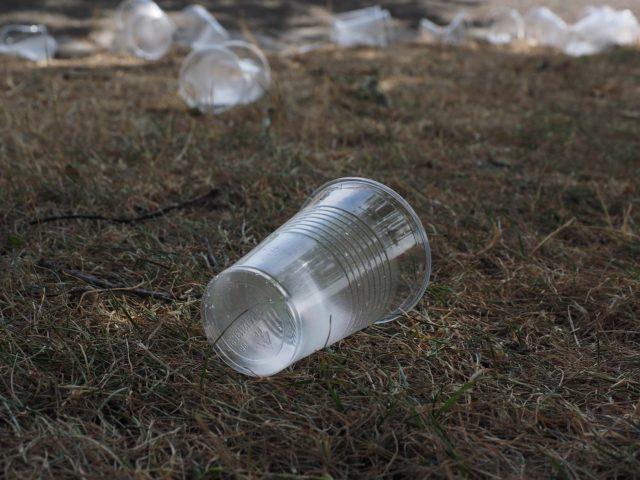 União Europeia se prepara para banir o plástico descartável