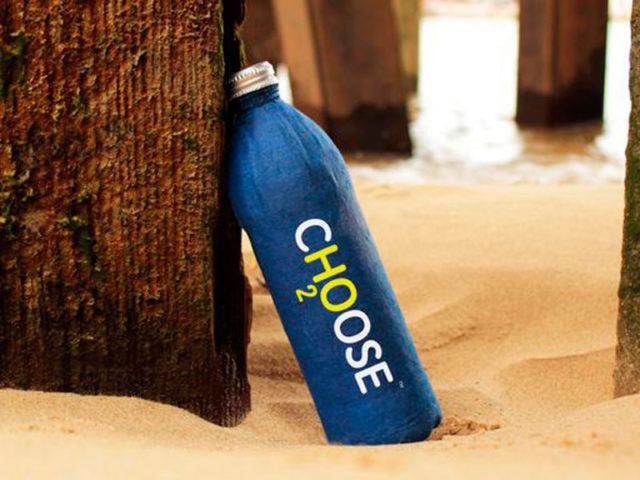 Cientista escocês cria garrafa sustentável, sem plástico