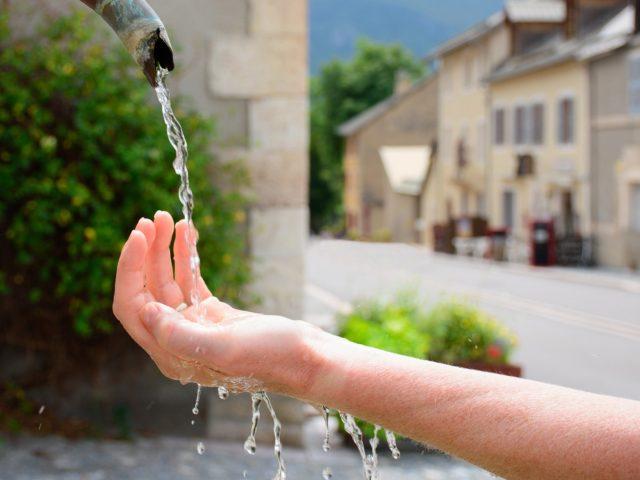 Projeto para reduzir o desperdício de água tratada é aprovado no Senado