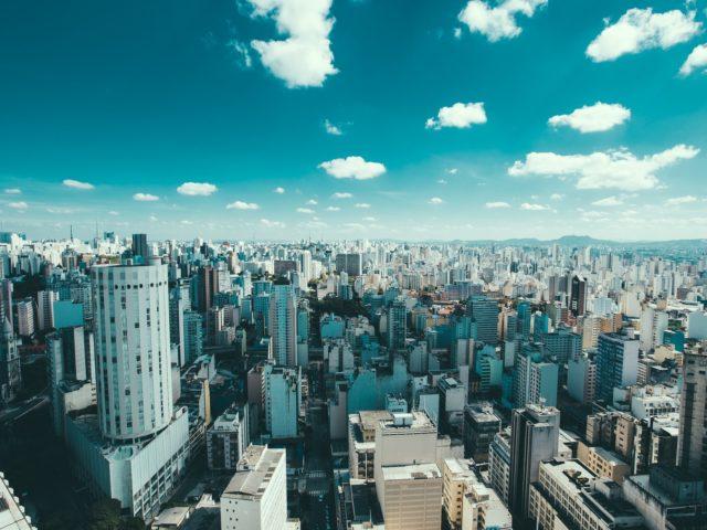 Mais de 60% dos resíduos e três quartos de emissões de gases de efeito estufa vêm das cidades