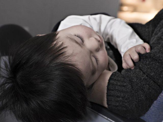 Novo estudo afirma que veículos poluentes causam 4 milhões de novos casos de asma infantil