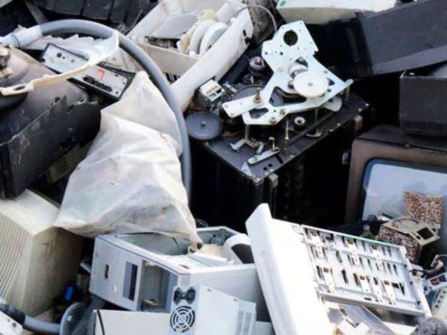 Somente 20% do lixo eletrônico é reciclado formalmente, diz OIT