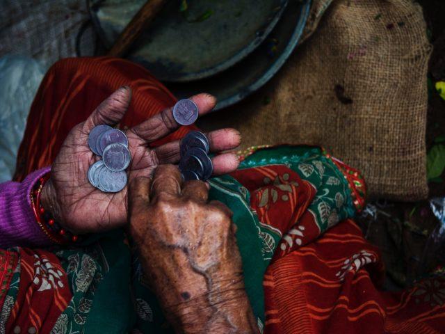 Conheça os ODS: ODS 1 e a pobreza extrema