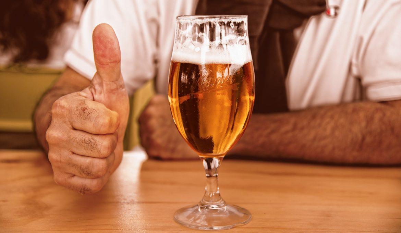 Empresa britânica produz cerveja a partir de restos de pães